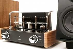 Blue Aura v30i Blackline Hybrid Vacuum Tube Amplifier - Walnut